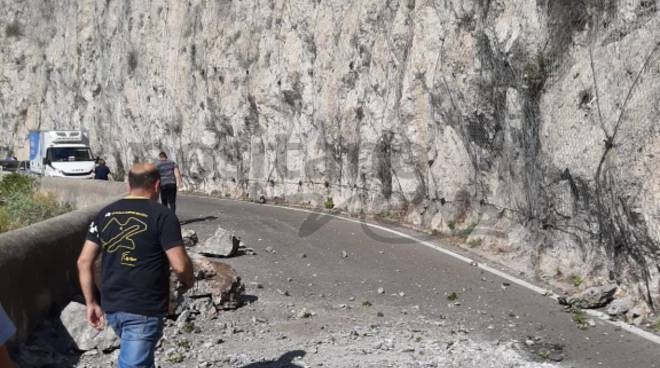 Maiori frana crollata sulla Statale Amalfitana