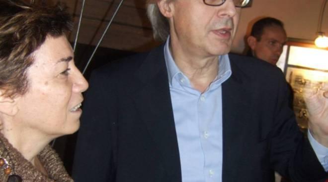 """Maria Pia Daidone e Vittorio Sgarbi a """"La Biennale"""", 2011"""