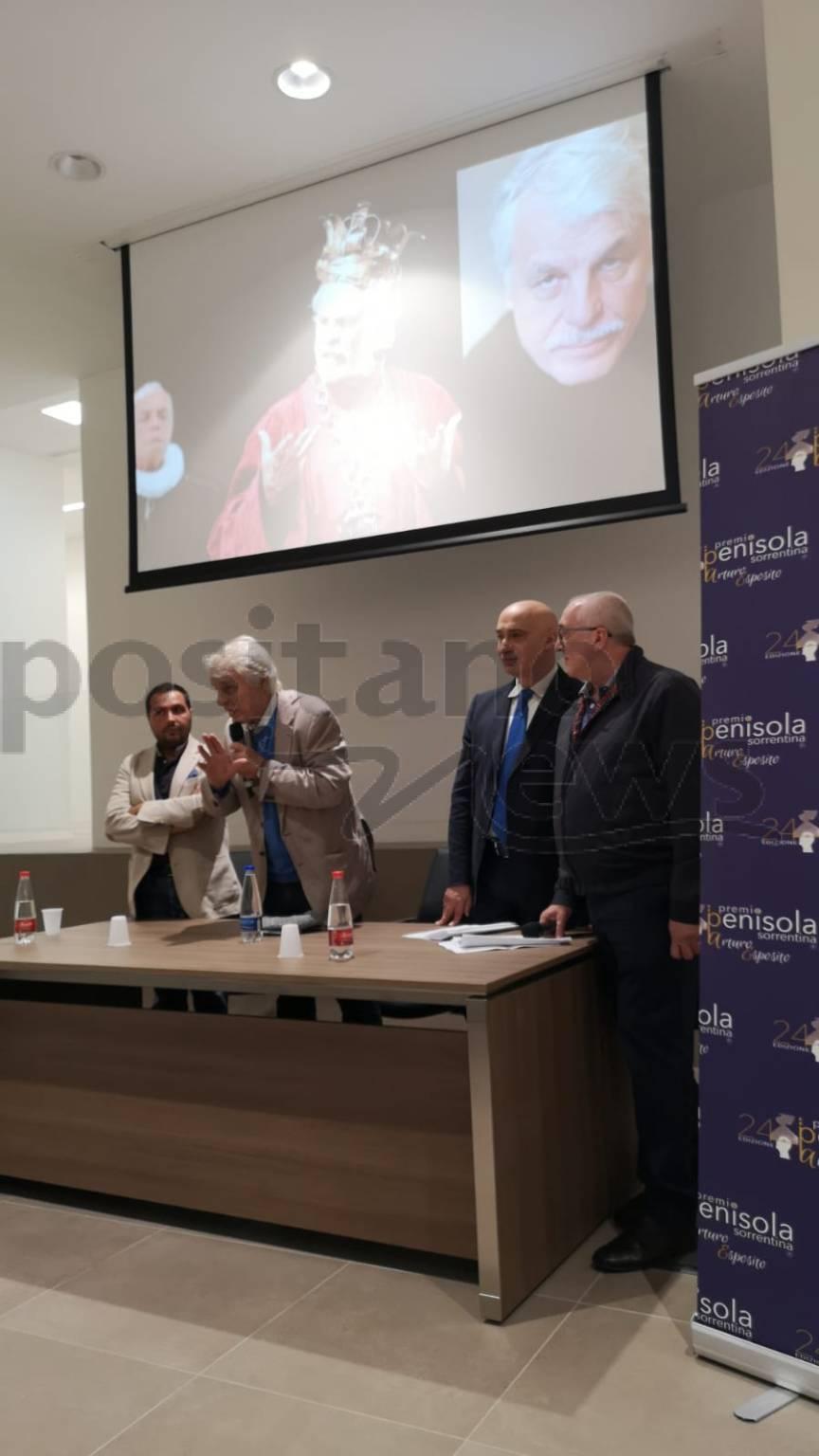 Piano di Sorrento, Michele Placido incontra i ragazzi dell'Istituto Nautico Nino Bixio al Centro Polifunzionale