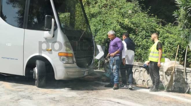 rimozione autobus incidentato