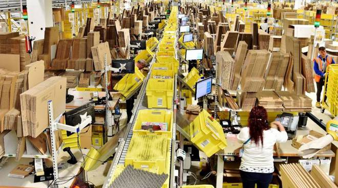 Black Friday, sciopero negli stabilimenti Amazon di Torino e Cuneo