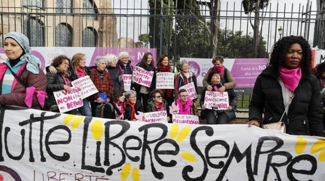 giornata contro la violenza alle donne la poesia positanonews giornata contro la violenza alle donne