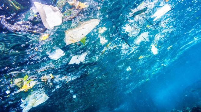rifiuti mare vietri