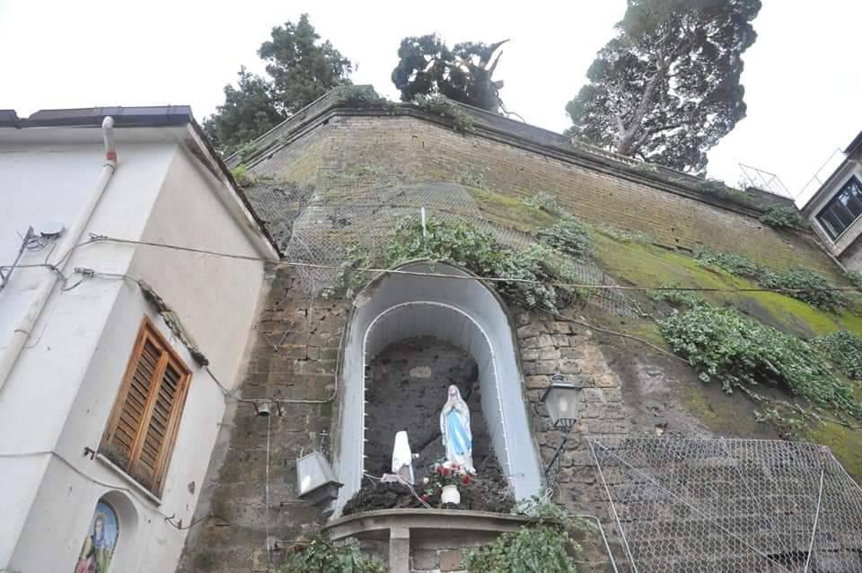 Sorrento albero caduto Villa Tritone