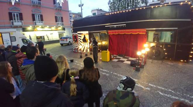 """Bus Theater\"" a Piano di Sorrento, c\'era una volta il Teatro."