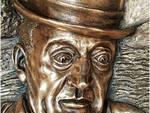 """La scultura in bronzo """"Totò … 'A Livella""""  al Maschio Angioino l'Opera del Maestro Ignazio Colagrossi in onore di Totò  In mostra dal 21 al 29 dicembre 2019"""