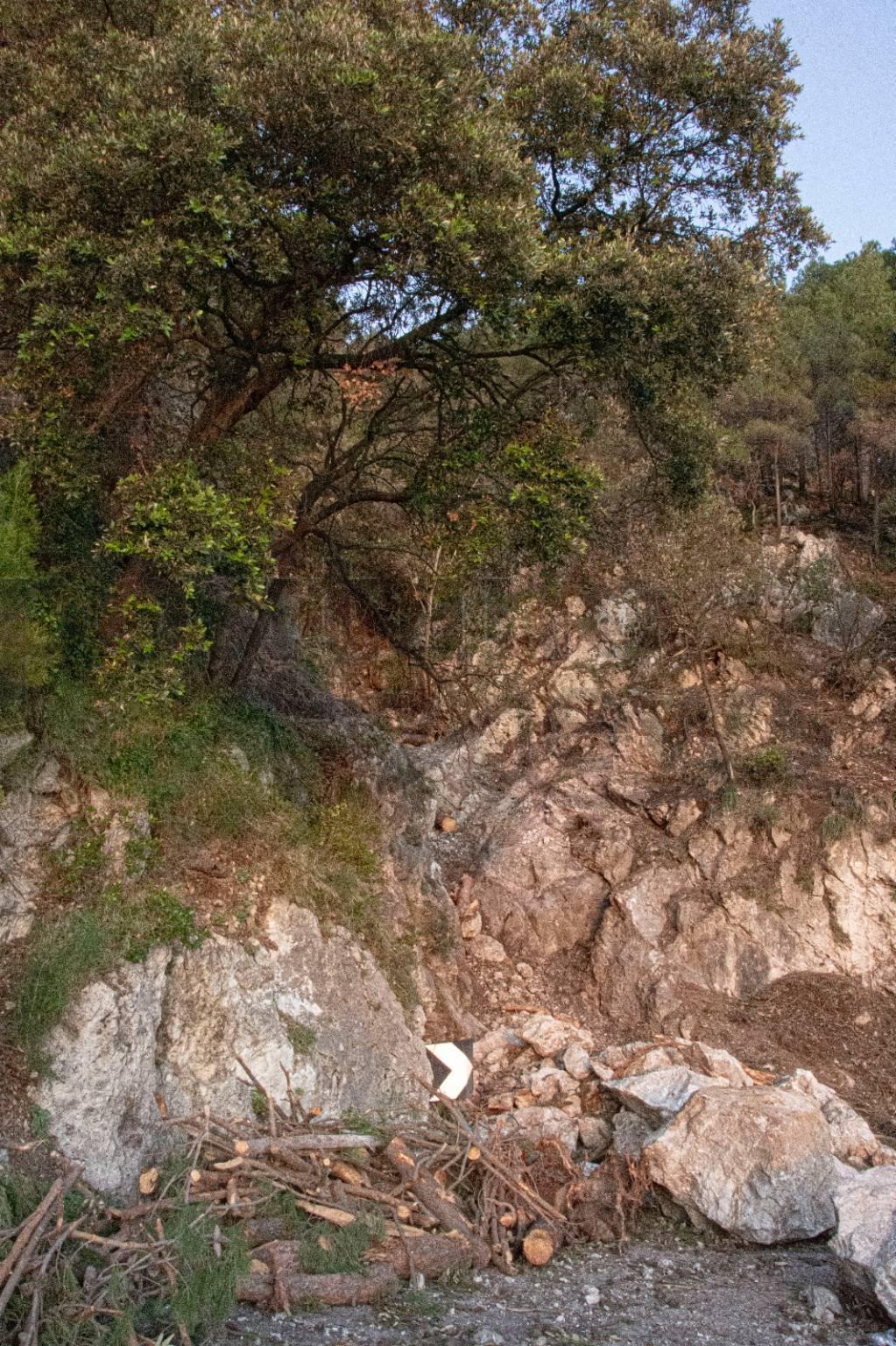 Maiori. Positanonews sul luogo della frana con la geologa Concetta Buonocore