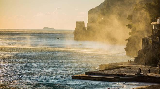 Positano. Il vento gioca con l'acqua nelle foto di Fabio Fusco