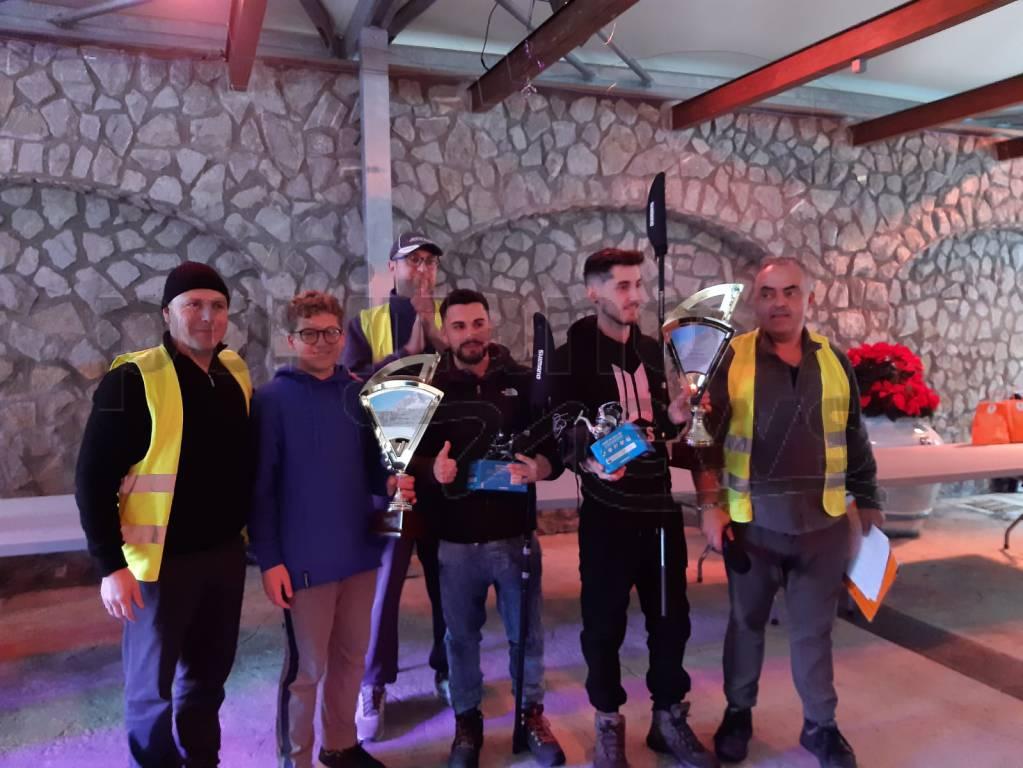 """Positano. Premiazione XI torneo di pesca """"Enzo D'Urso"""" . A premiare i vincitori il figlio di Enzo, Filippo"""