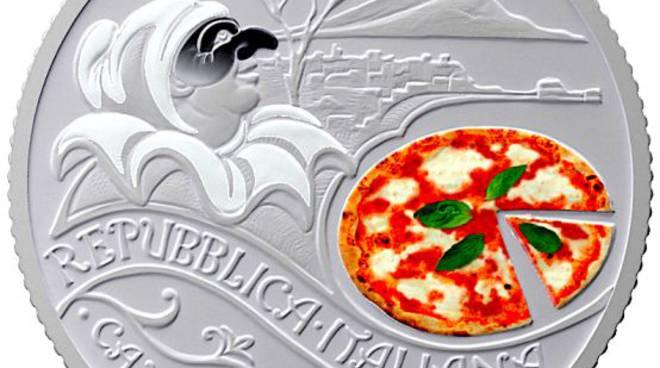 Eduardo e la Pizza celebrati con una moneta da cinque euro