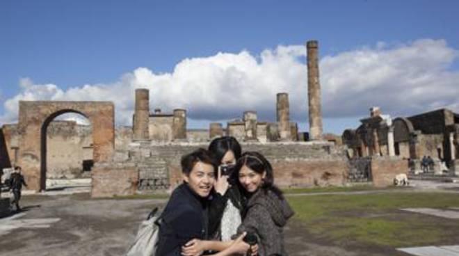 cinesi scavi pompei