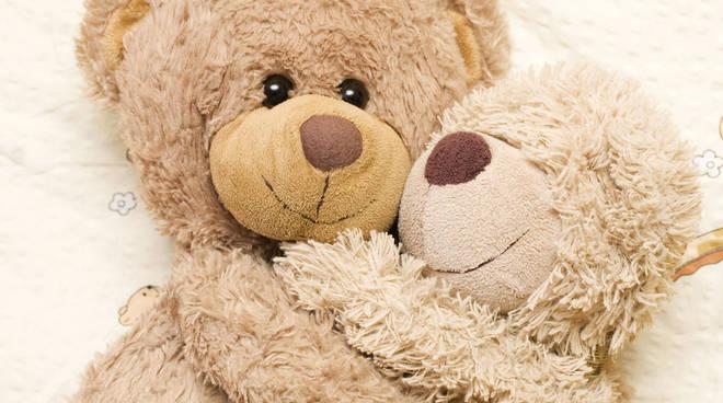 Il 21 gennaio è la giornata mondiale dell'abbraccio, non costa nulla ...