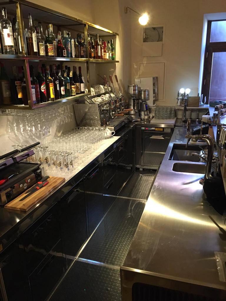 Meta. Gli allestimenti di ITA Service al nuovo bar Lettera 32 a Sant'Agnello