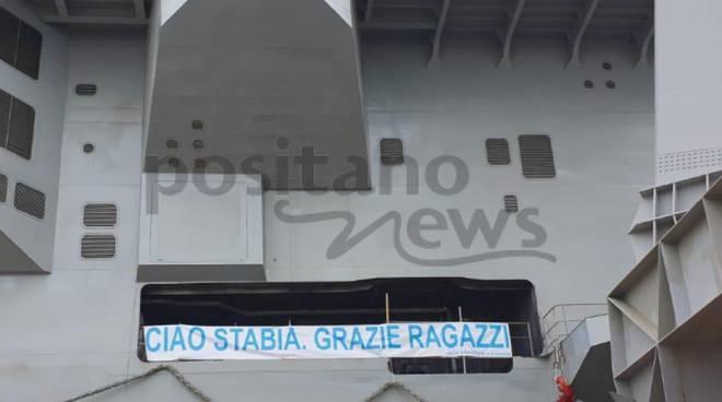 Nave Trieste a Castellammare