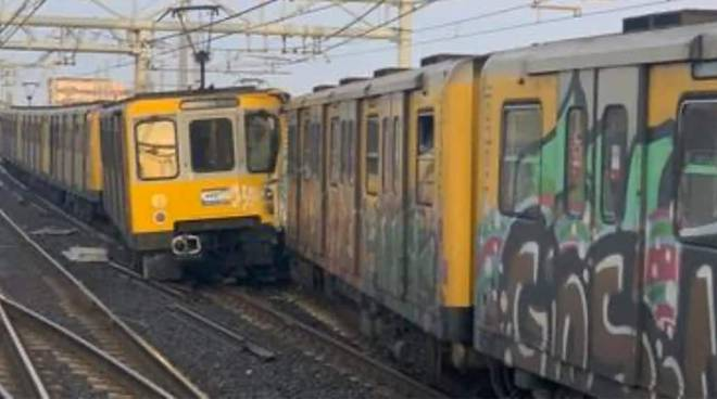 scontro treni napoli