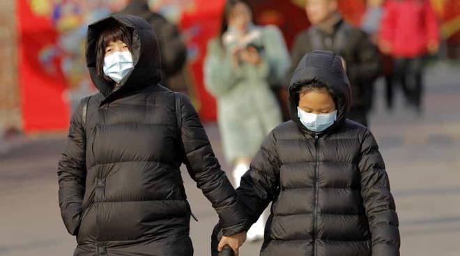 Cinesi mascherina