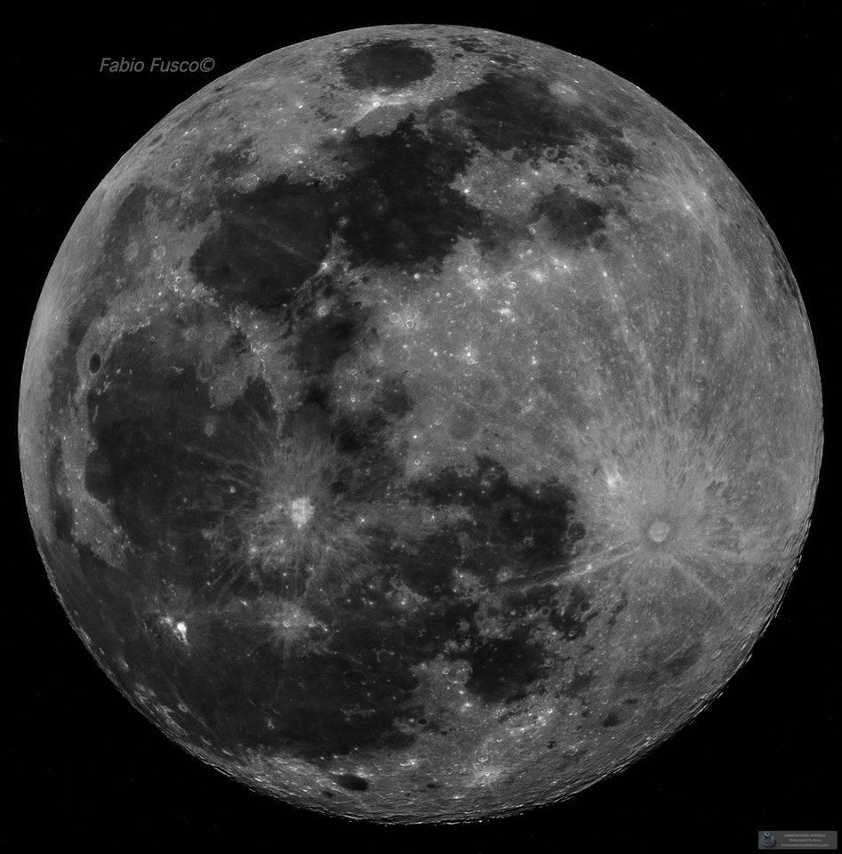 La Super Luna di Neve vista da Positano lascia senza fiato
