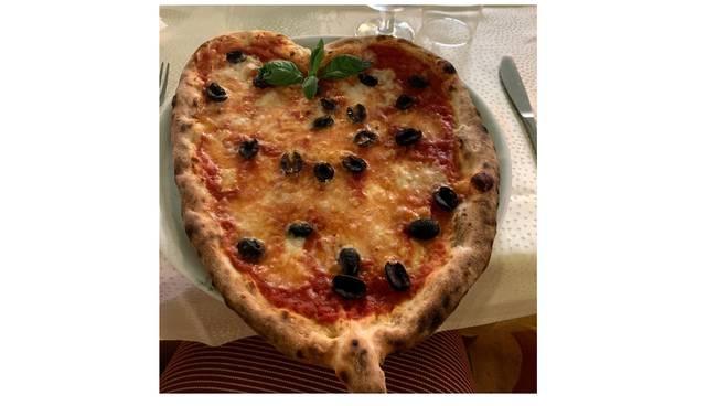 ristorante la stelluccia pizza cuore
