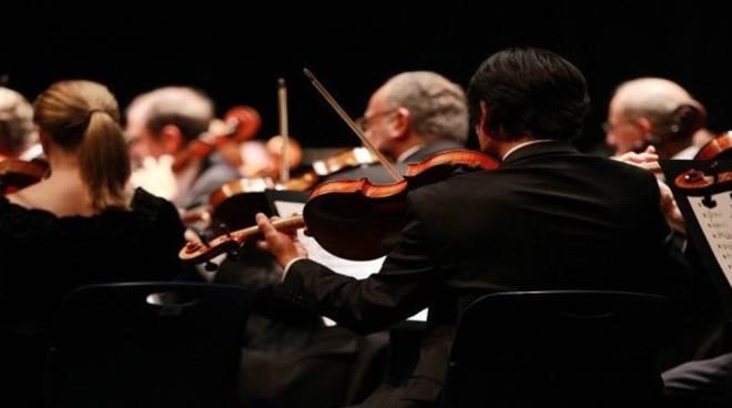 Sanremo, ai musicisti 50 euro al giorno