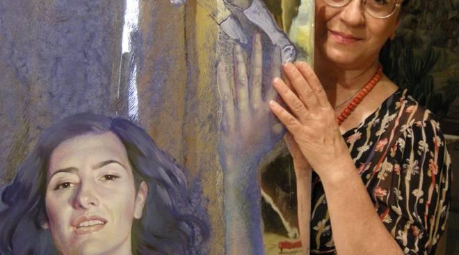 5 - Foto Giorgio Bartoli - L'artista Antonella Cqappuccio e una sua opera