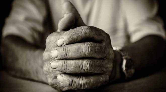 Aggressione ad anziano