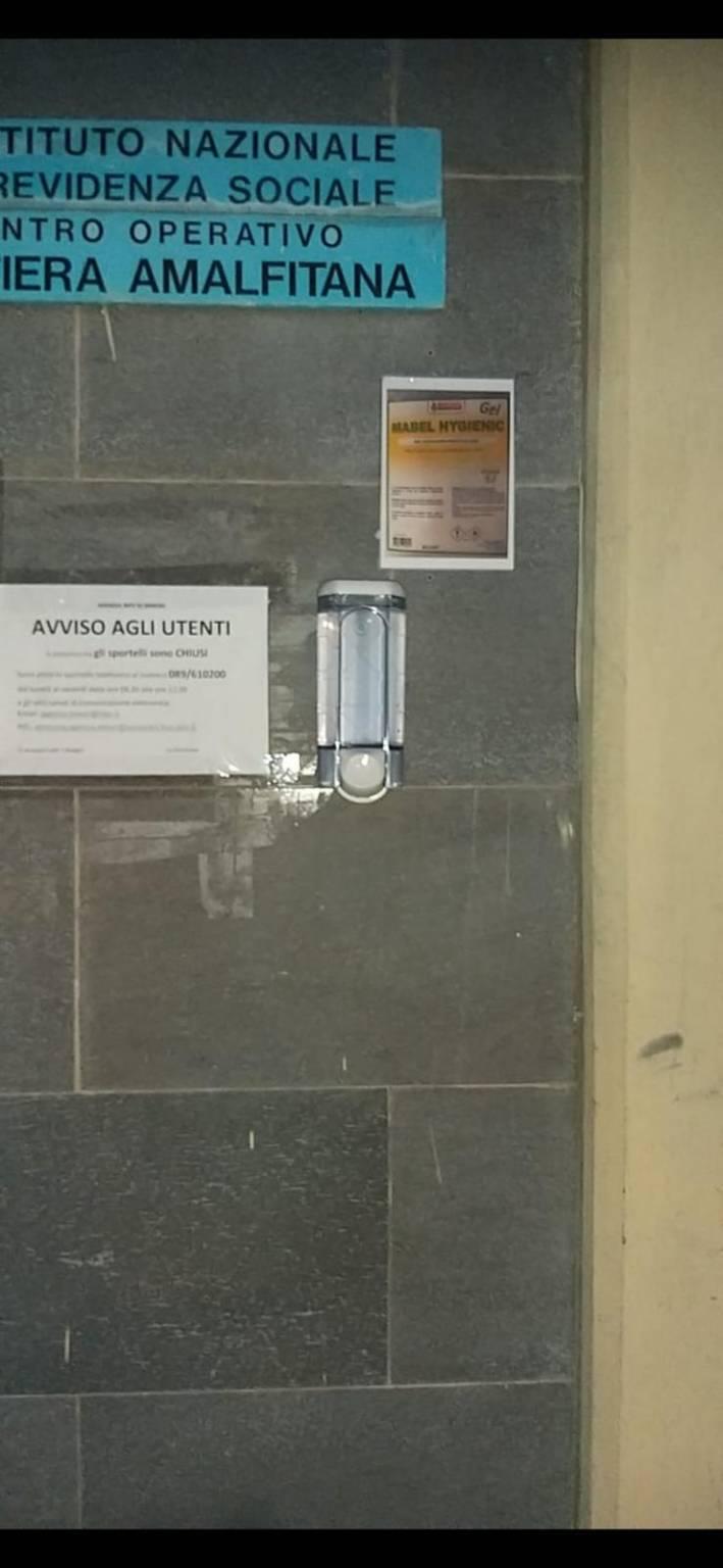 Minori. Emergenza Coronavirus: installati su tutto il territorio comunale dispenser contenenti un prodotto sanifi