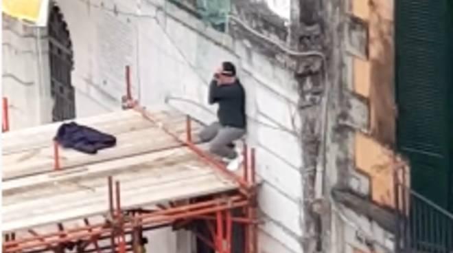 Sventata una tragedia a Castellammare di Stabia: salvato un uomo