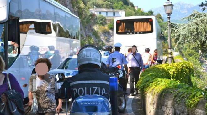 Bus in Costiera amalfitana