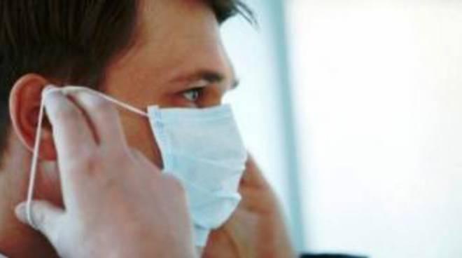 Coronavirus, a Vico Equense obbligo di mascherina per chi esce di casa