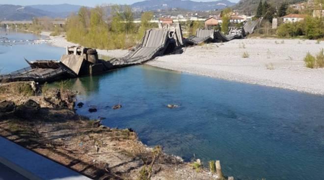 crollo ponte massa carrara