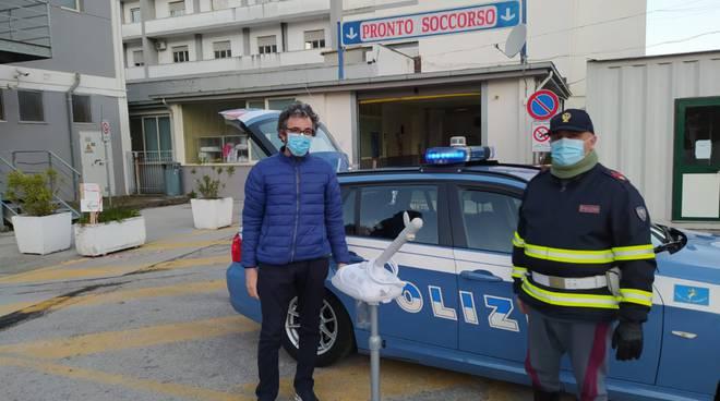 La Polizia Stradale di Salerno regala un apparecchio per la spirometria all'Ospedale di Polla