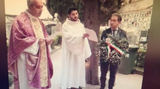 Minori. La visita del sindaco al Cimitero e la Santa Messa dalla Cappella del Cimitero. La diretta