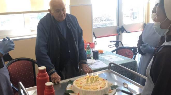 """Piano di Sorrento. Auguri al nostro amico Gary Spampanato per i suoi 102 anni! il suo messaggio: """"Abbiate fede"""""""