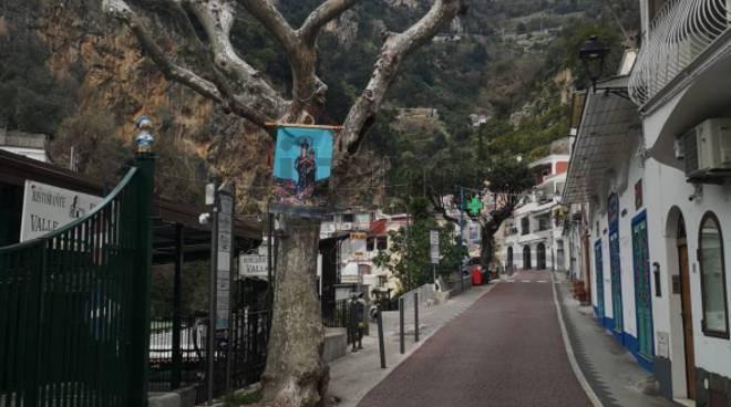 Positano deserta il giorno della Domenica delle Palme, momento storico per la città
