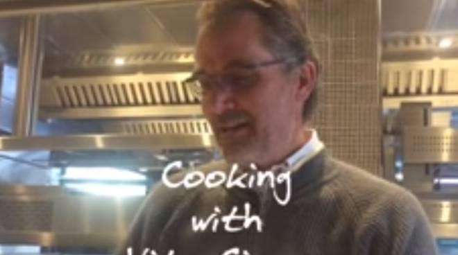 Positano. La ricetta degli spaghetti aglio e olio di Vito Cinque. Il video