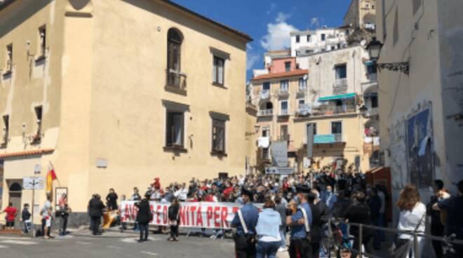Amalfi. La protesta dei lavoratori stagionali
