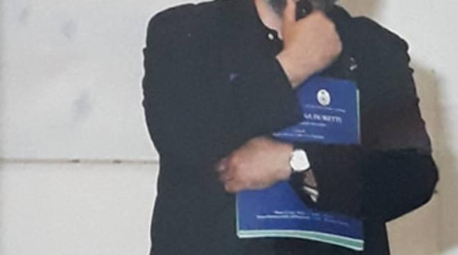 Antonio Picariello alla personale di Renato Marini, nel 1998.