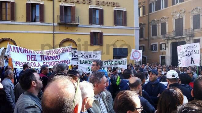 Amalfi . Domenica gli stagionali in piazza a protestare
