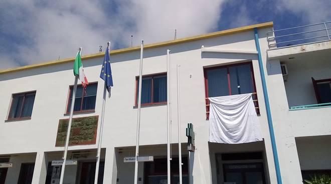 Il Comune di Furore aderisce all'iniziativa Palermo Chiama Italia al balcone