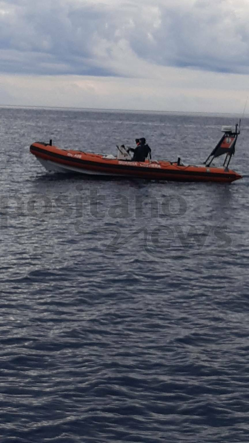 Positano, soccorso della Guardia Costiera ad un natante in pericolo