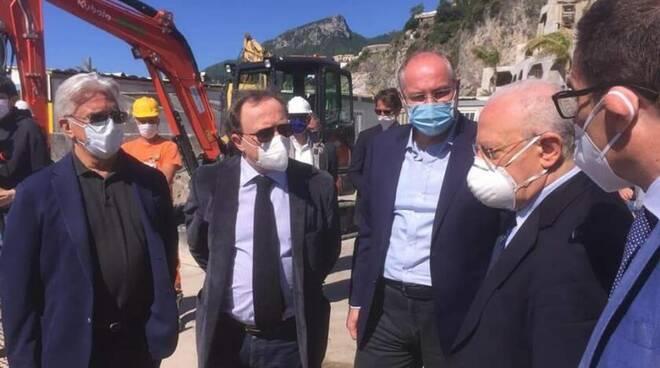 Stamattina la visita di De Luca al cantiere del nuovo impianto di depurazione Cetara-Salerno