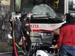 Vico Equense, Statale Amalfitana. Violento incidente tra moto e bus della SITA. File da e per Positano