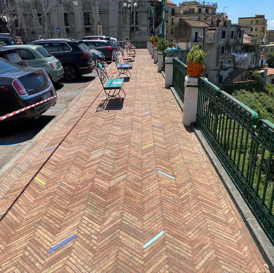 Vietri sul Mare. Riaperto il passaggio pedonale di piazza Matteotti, nuova pavimentazione e nuove panchine