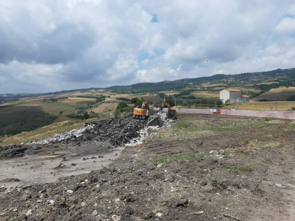 Campania, ANAS. Al via l'attività di demolizione del ponte 'Santo Spirito', sulla SS90/Bis ad Avellino