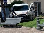 Minori, furgoncino sbanda tra la gente: rischiata tragedia sul lungomare