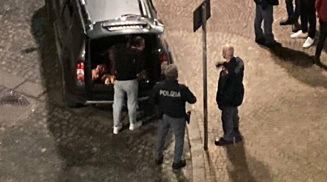 Sorrento polizia e carabinieri a Piazza Lauro
