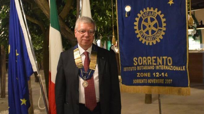 ALFREDO CICCODICOLA NUOVO PRESIDENTE DEL ROTARY CLUB SORRENTO