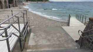Capri. La rampa disabili diventa scivolo: «Inciviltà, la barriera da abbattere»