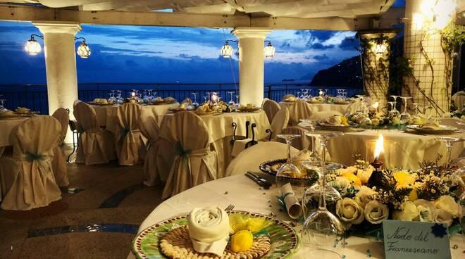 Romantica cena a suon di musica al Restaurant Calajanara a Conca dei Marini