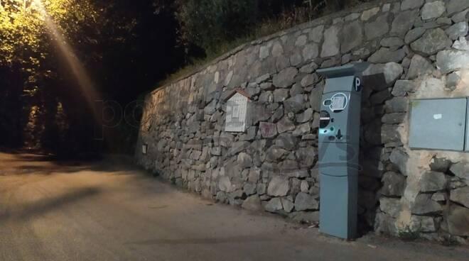 Le strane strisce blu al Belvedere ai Colli di Fontanelle di Sant'Agnello